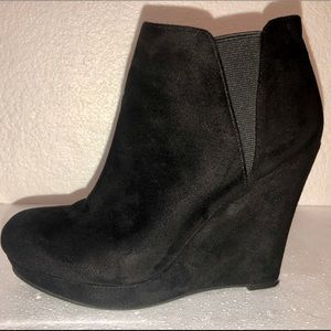 Jessica Simpson Black Suede Wedge Booties Size 6